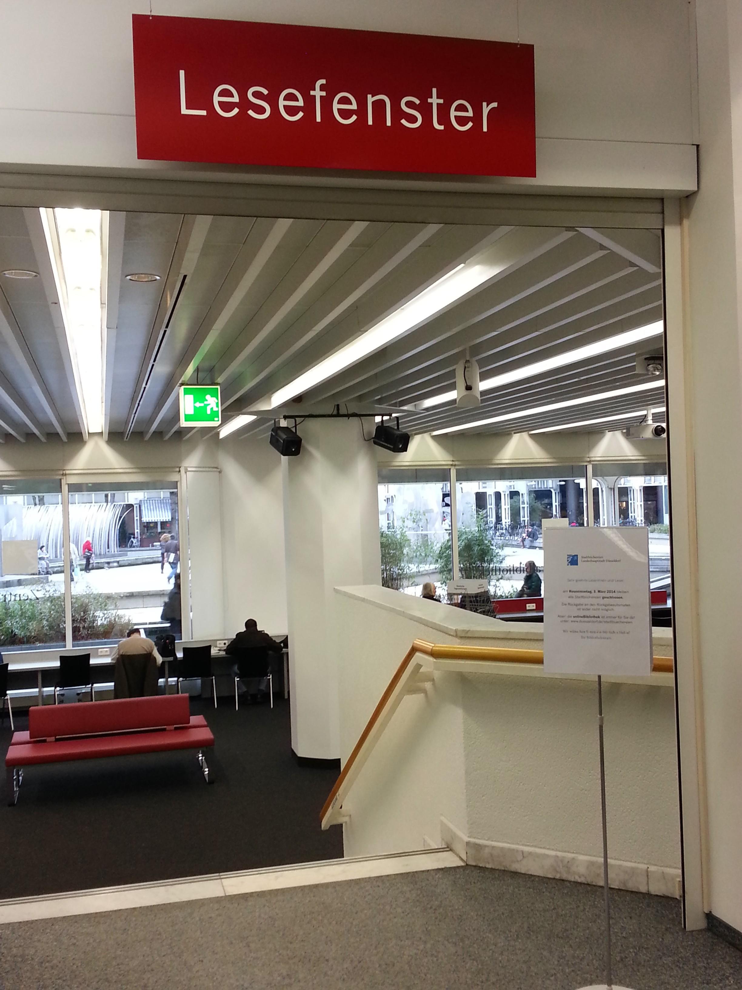 Düsseldorfer Stadtbücherei - Lesefenster